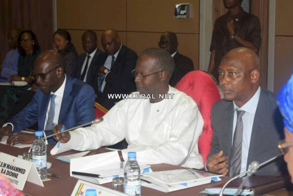 Le Premier ministre Boun Abdallah Dionne qualifie Karim Wade de « vrai-faux candidat »