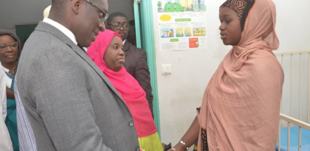 Hôpital Alber Royer: Abdoulaye Diouf Sarr promet appui à la mère des sœurs siamoises