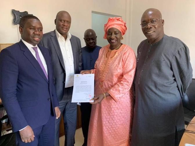 Aminata Touré: « le Président Macky Sall a été le premier à satisfaire largement aux conditions requises par la loi sur le parrainage »