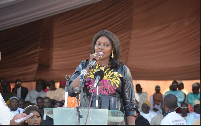 """"""" Dans le département de Rufisque, ni violence, ni """"fitneu"""", mais la paix et la cohésion pour réélire le candidat Macky Sall, derrière le ministre Oumar Guèye"""""""