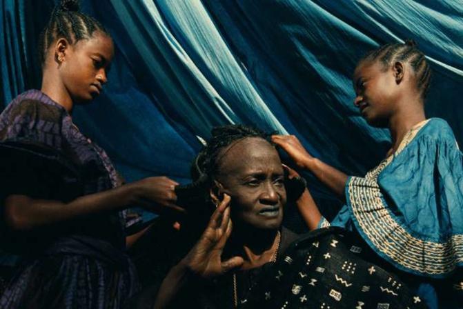 Film sénégalais (1992) de Djibril Diop Mambéty. Avec Ami Diakhate, Mansour Diouf, Calgou Fall, Djibril Diop Mambéty (1 h 50). S