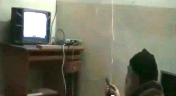 Capture d'écran d'une vidéo saisie par les autorités américaines dans la maison d'Ousama Ben Laden à Abbottabad.  Capture d'écran YouTube