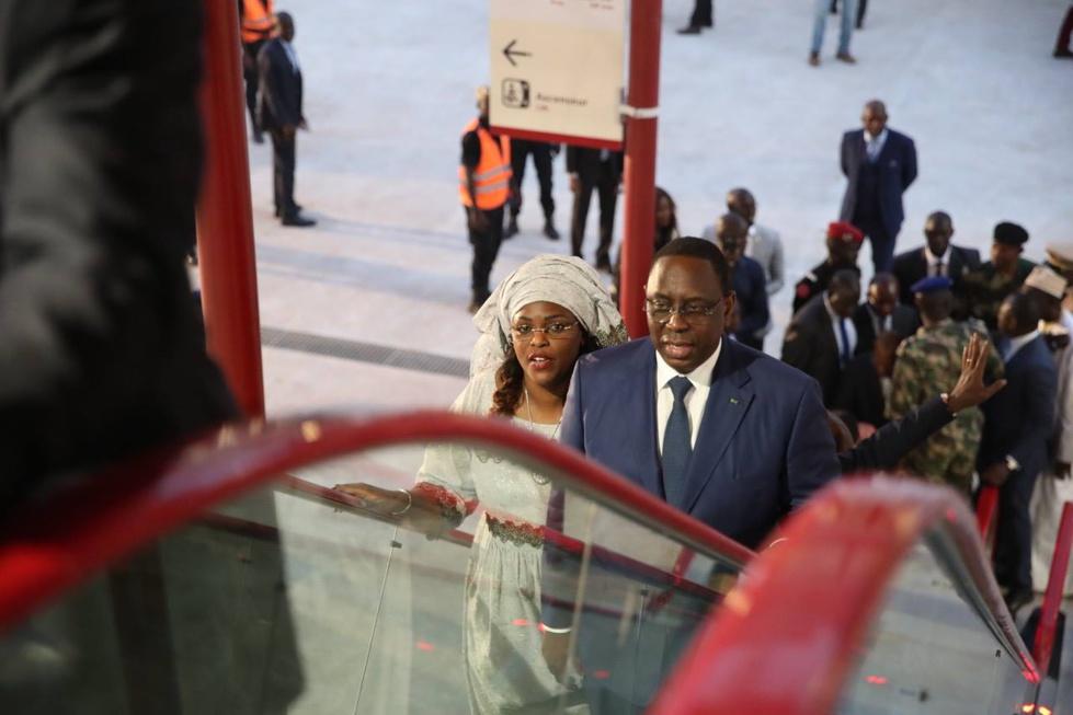 Le Président de la République Macky Sall vient d'inaugurer la nouvelle Gare de Dakar après la réception technique du Train Express Régional