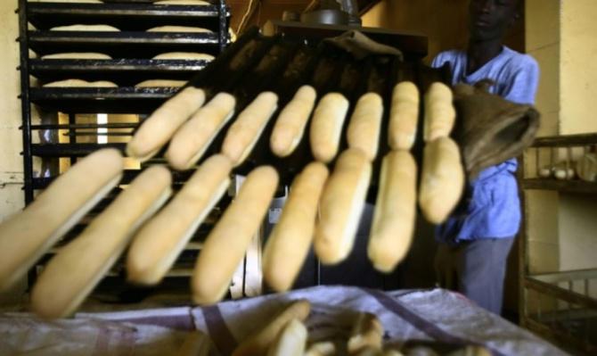 Hausse du prix du pain: Le Directeur du Commerce intérieur menace les boulangers