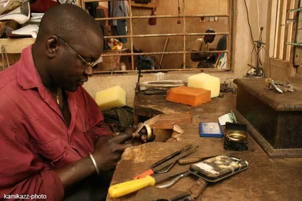 Cambriolage à Sandaga : un bijoutier perd plus de 100 millions