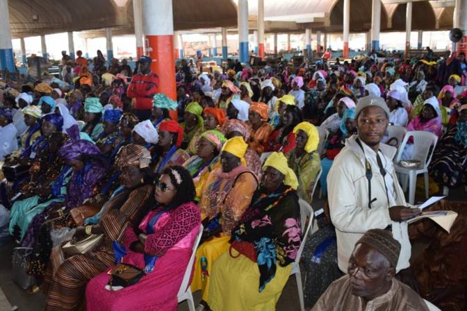"""Le ministre de la Pêche Oumar Guèye aux Mareyeurs: """"les réalisations inédites de Macky Sall lui assurent un second mandat dès le 1er tour """""""