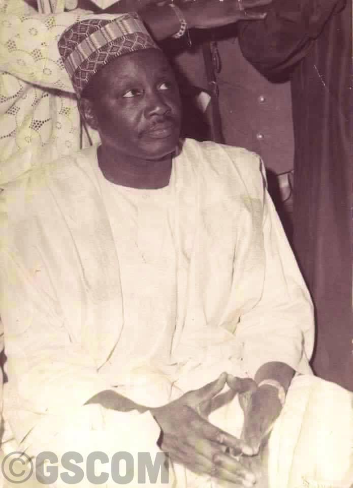 « El Hadj Djiily Mbaye : La saga d'un sage milliardaire» de Louga