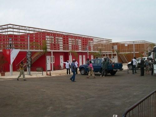 Wade offre l'hôtel du FESMAN aux étudiants et professeurs