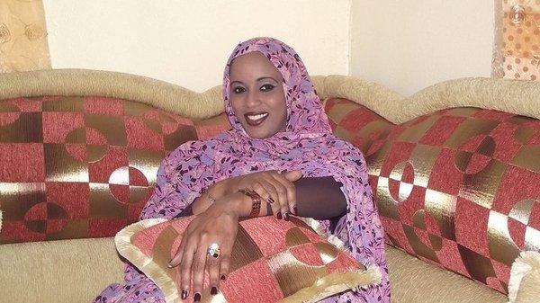Fatoumetou Sow Dieyna, journaliste à Africa 7 : « J'ai envie d'enlever le voile »