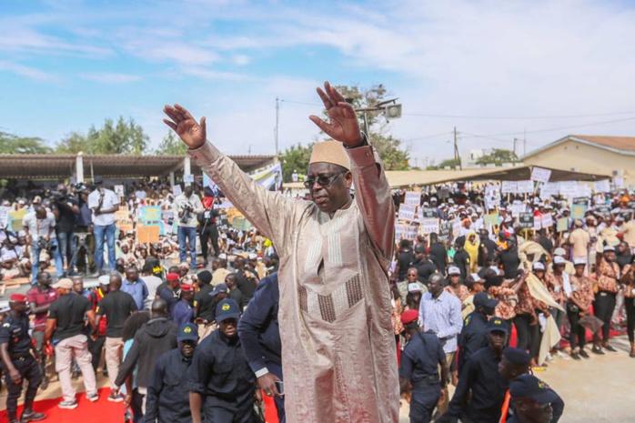 Sur l'axe Tambacounda- Kédougou : Macky ignore Wade et chante son bilan
