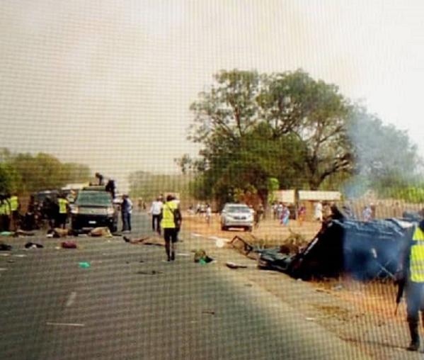 Urgent : un bus transportant des militants de Sonko se renverse à Bignona