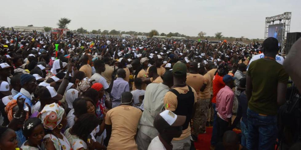 Voici pourquoi une marée humaine a accueillie Macky Sall au fief de son PM Mahammed DIONNE