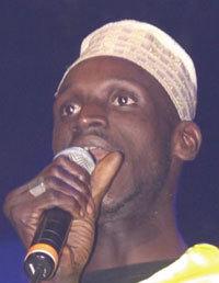 Youssou Ndour et Saanex dans Mbaye Bercy