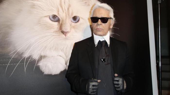 Karl Lagerfeld, directeur artistique de Chanel, est mort à l'âge de 85 ans