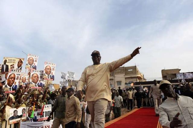 Sénégal : grosses dépenses et petits arrangements, la face cachée du mandat de Macky Sall