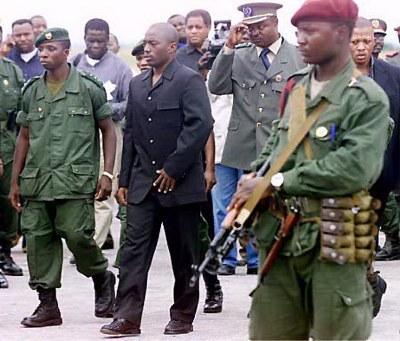 Le président Joseph Kabila gardé désormais par les hommes en armes de la race blanche