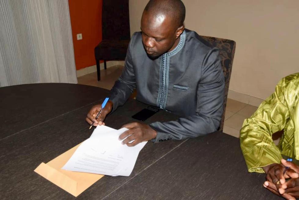 Photos : Ousmane Sonko a signé la déclaration commune des candidats de l'opposition