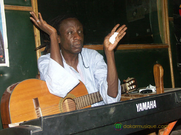 Nouvel opus d'Ouza Diallo «Baye» ou la trahison de « père » Wade