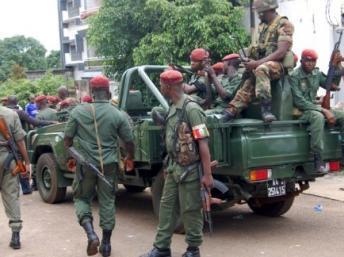 Guinée : les arrestations se poursuivent après l'attaque contre Alpha Condé