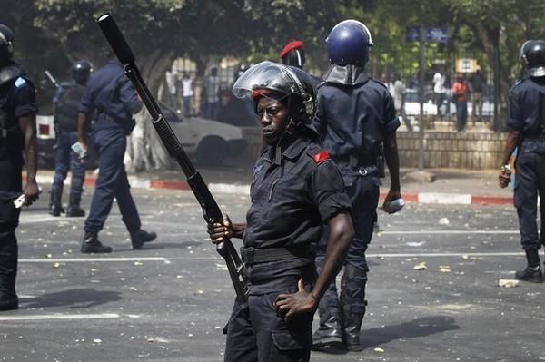 « L'ETAT A RECRUTÉ 1000 POLICIERS ET NON 500 »