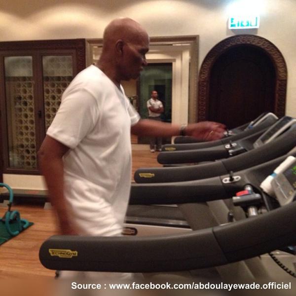 """Subitement devenu aphone, comment Me Aboulaye Wade meuble ses journées à l'hôtel """"TERROU BI"""""""