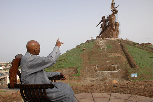 LES STATUES LES PLUS GRANDES AU MONDE : Le Monument de la Renaissance n'en fait pas partie