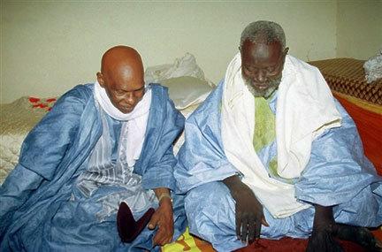 Les hommes politiques et Serigne Saliou Mbacké : Quand la symbolique religieuse devient source de légitimation temporelle.