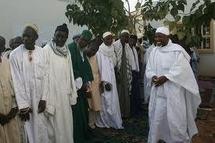 """Don d'argent aux religieux par Me Wade, un islamologue parle d'une """"tradition islamique généreuse"""""""