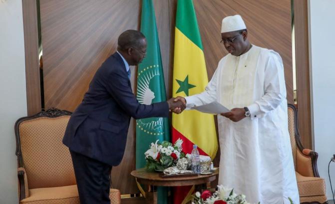Démission du PM et de son gouvernement : Macky Sall félicite Boune Dionne et annonce la poursuite des consultations demain