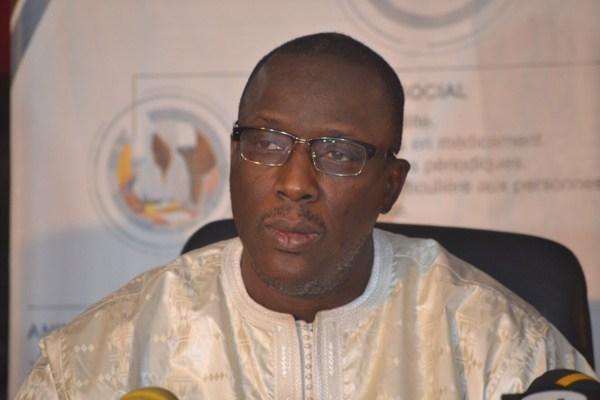 Gouvernement : Une pétition pour la destitution de Cheikhou Oumar Hanne