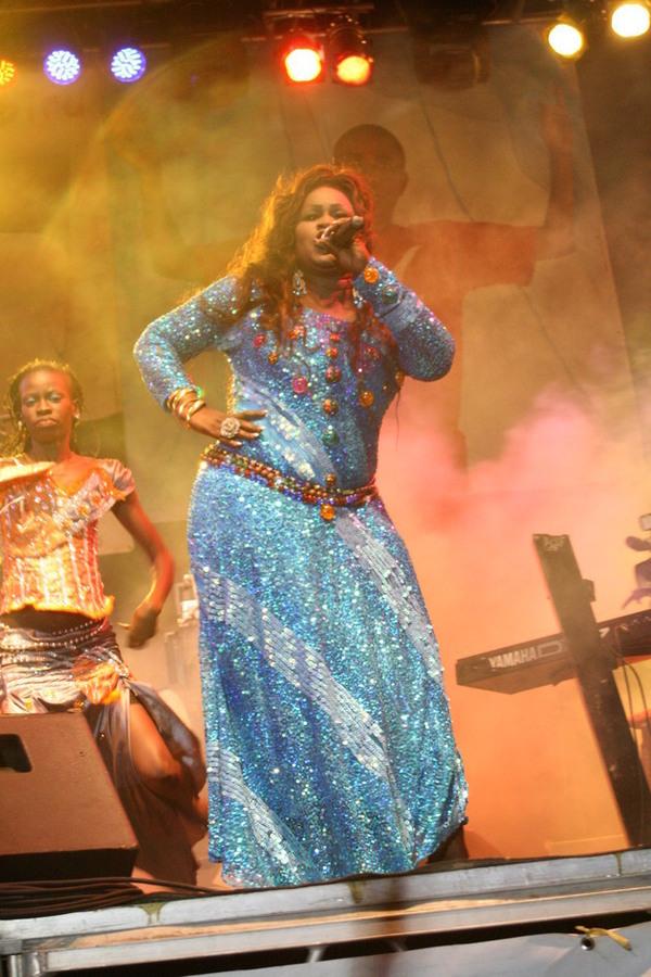 Ngoné Ndiaye Guéweul peine à attacher ses hommes au «bout de son pagne»
