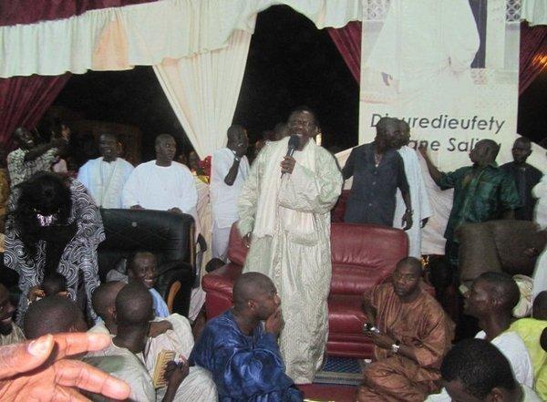 Thiant de Cheikh Béthio – Dianatoul Mahwa supplée Mermoz le temps d'une nuit . Affluence immense , jamais , égalée