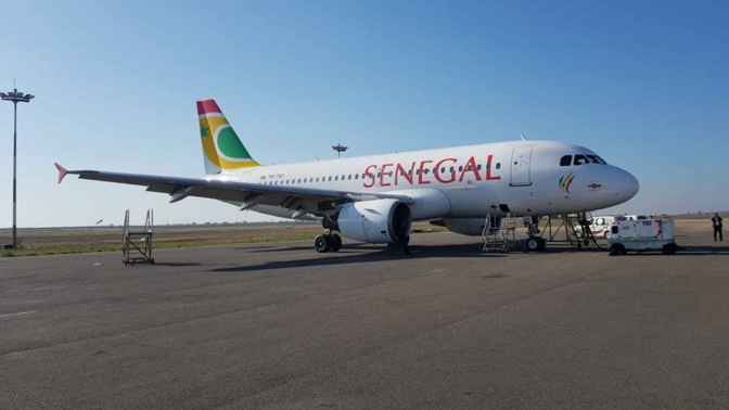 Vol HC 403  Dakar - Paris CDG: Une passagère brûle Air Sénégal et menace