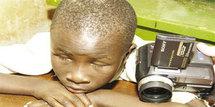 BANLIEUE - Oubliés par le système éducatif : Cent enfants aveugles prennent le chemin de l'école grâce à l'Ong SightSavers