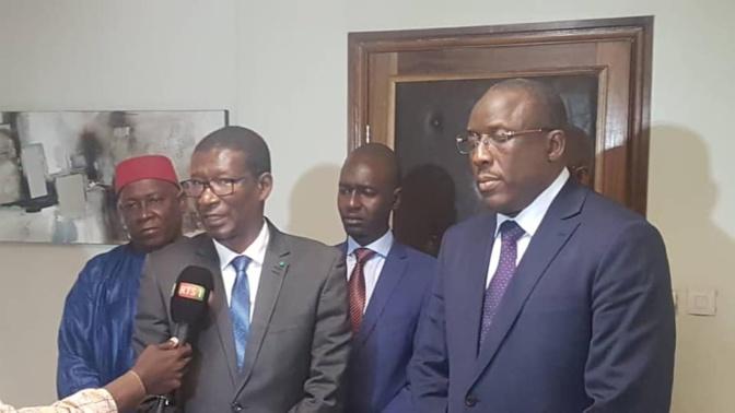 Mary Teuw Niane : « Je souhaite au Dr Cheikh Oumar Hanne succès et réussite dans sa nouvelle fonction »