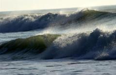 """Alerte météo: les côtes sénégalaises encore sous la menace d'une """"houle dangereuse"""""""
