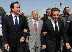 """A Benghazi, Sarkozy plaide pour une Libye """"unie"""""""