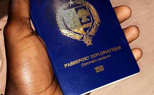 Passeports diplomatiques: Macky Sall met fin à la pagaille