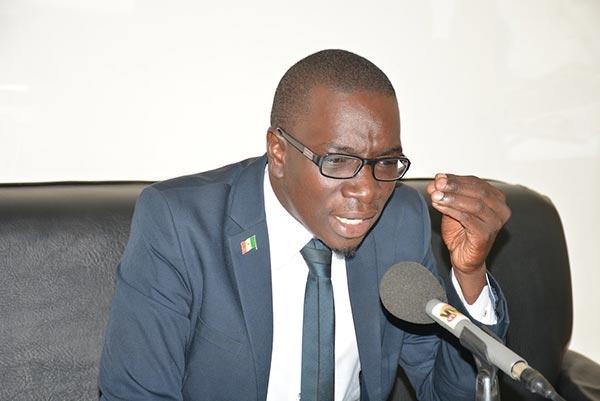 Me Moussa Bocar Thiam déjà jeté dans les poubelles de l'APR