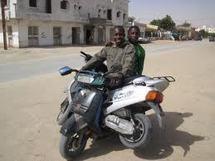 VOL AVEC VIOLENCE COMMIS EN REUNION A BORD D'UN SCOOTER : Massamba Seck et son acolyte s'en prennent à une écrivaine Guinéenne