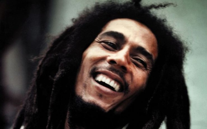 "Non, l'agent de la CIA ""Bill Oxley"" n'a pas avoué avoir assassiné Bob Marley avec un ""virus du cancer"""