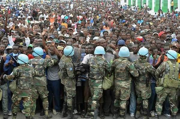 """PORT-AU-PRINCE: LES DIAMBARS SECURISENT LE PROCES """"PRISON BREAK"""""""