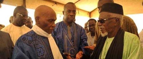 Intense lobbying du pouvoir à Touba : Wade rampe pour un ndiguël. 400 millions pour toute déclaration publique en sa faveur. Le khalife à deux émissaires du Président : «Ne me parlez pas de Wade. C'est un homme du passé»
