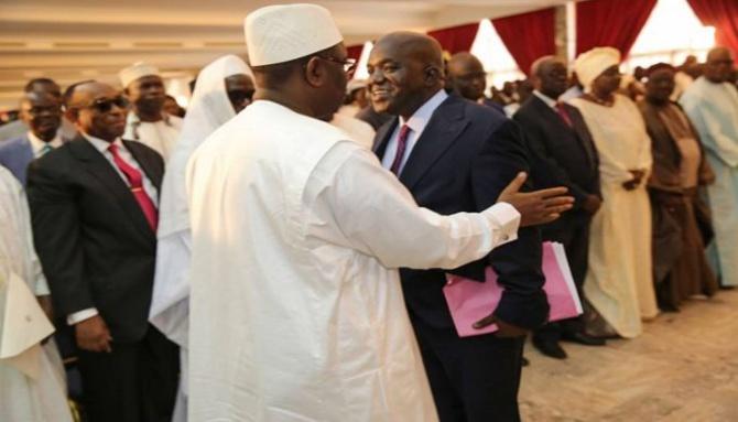 Dialogue national : le pouvoir a identifié quatre personnalités pour le diriger