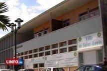 La mairie de Saint-Louis se sépare de 100 agents en CDD