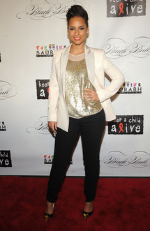 Look : Alicia Keys au top pour sa fondation