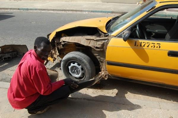 """[Audio] Un Taximan se confie: """"Ma femme est enceinte mais je ne suis pas le père de son enfant"""""""