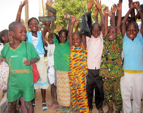 """A Sessène, une ONG mise sur l'agriculture bio pour éradiquer la """"déperdition scolaire"""""""