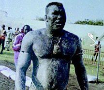 Gaton Mbengue tancé par Khadim Ndiaye