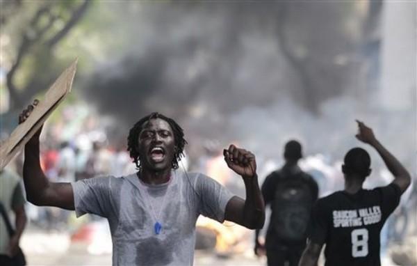 [Audio] Ça chauffe à Tamba : Un membre du mouvement « Tamba va mal » arrêté pour avoir insulté le commissaire